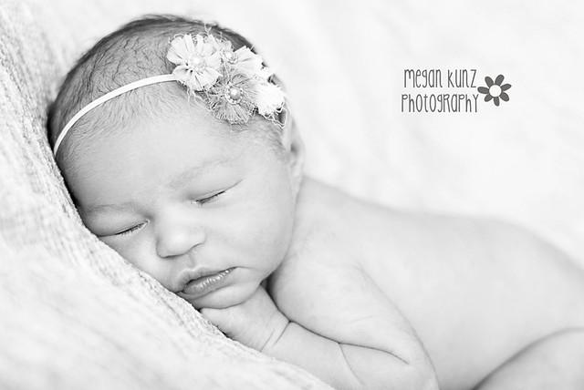 Waco Texas Photographer Megan Kunz Photography Abigail B Newborn 12-2blog