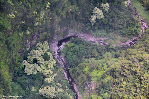 usa island hawaii big aerialview helicopter aerialphoto aerialphotographs aerialphotos aerialshots aerialimages honokanenuivalley paradisehelicopters 3hourhelicopterjourney
