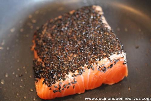 Tataki de salmon en nido de nabo daikon (10)
