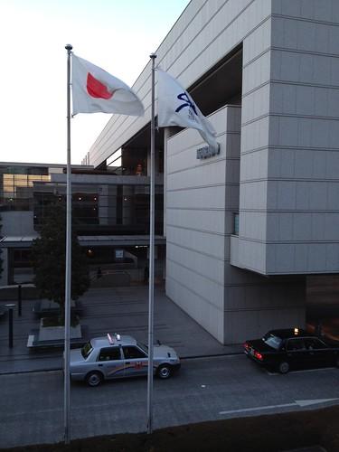 新国立劇場に到着 by haruhiko_iyota