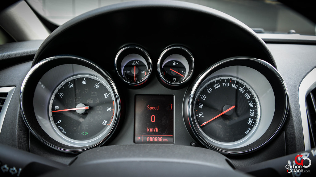 2013 Opel Astra GTC | First Drive in Dubai by CarbonOctane.com