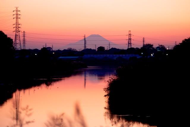 古利根の水面に映る富士の山