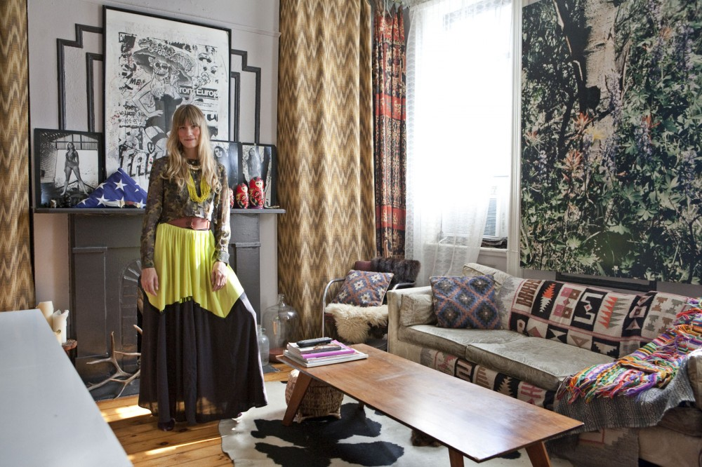 Gretchen Jones & Her Cool Apartment