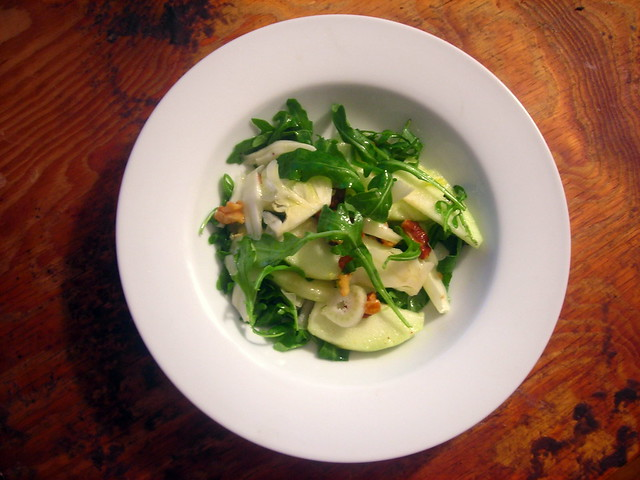 Fennel, green apple and walnut salad