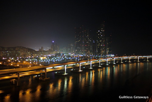 gwangan-bridge-at-night.jpg