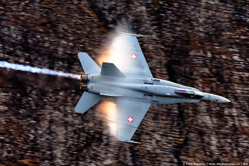 Swiss AF F/A-18 at AXALP-2012