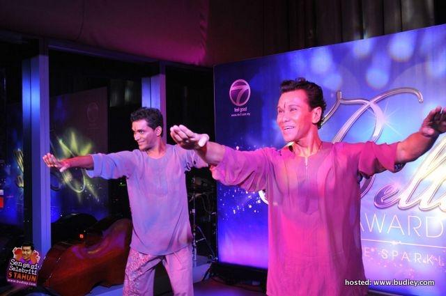 Ramli Ibrahim & Sutra Dance