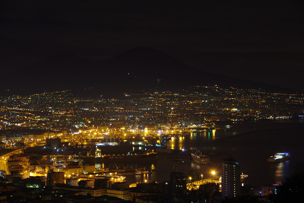 前世界三大夜景拿坡里的美與憾 by K-5 DA18-135 sigma 8-16