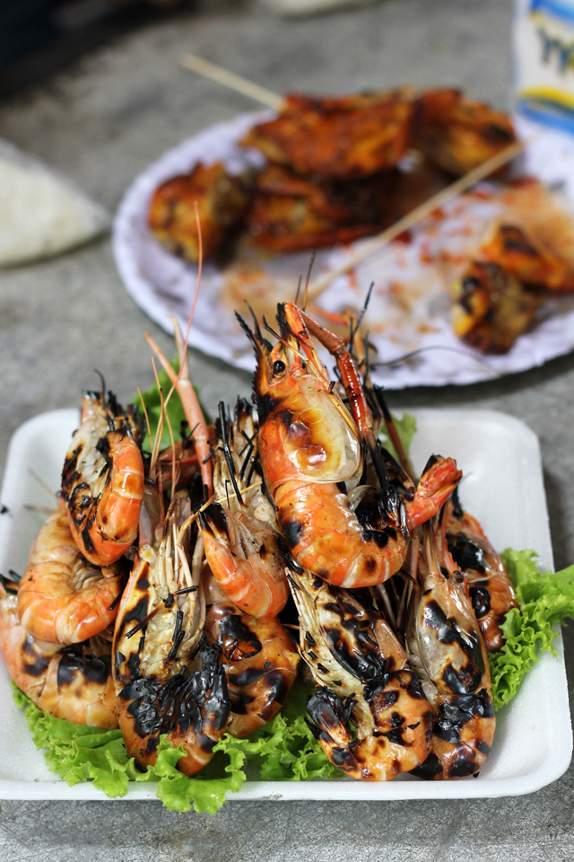 Goong Pao (roasted whole shrimp กุ้งเผา)