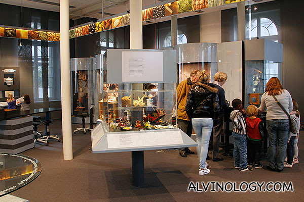 There were many kids in the Alimentarium