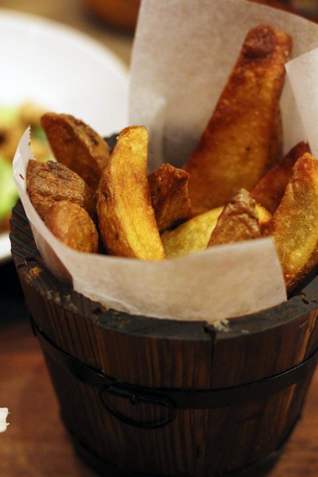 Potato Wedges from Firehouse Burger Restaurant, Bangkok, Thailand