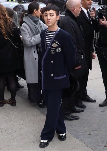 G-Dragon Chanel Haute Coutoure at Grand Palais Paris 2016-01-26 09