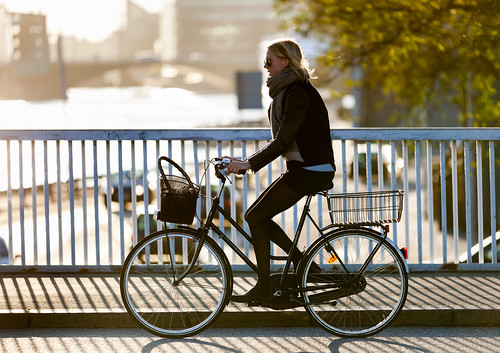 street sunset people water stockings fashion bike bicycle copenhagen denmark cycling cyclist bicicleta tights cycle biking bici 自行车 velo fahrrad vélo leggings sykkel fiets rower cykel 自転車 accessorize copenhague サイクリング デンマーク サイクル мода велосипед 哥本哈根 holdups コペンハーゲン 脚踏车 biciclettes 丹麦 cyclechic cycleculture الدراجة дания копенгаген copenhagencyclechic 骑自行车 copenhagenize bikehaven copenhagenbikehaven velofashion copenhagencycleculture 的自行车