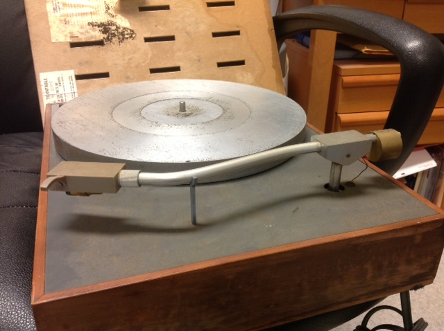 Going old school – Restoring an AR XA Turntable | bonnie & jason