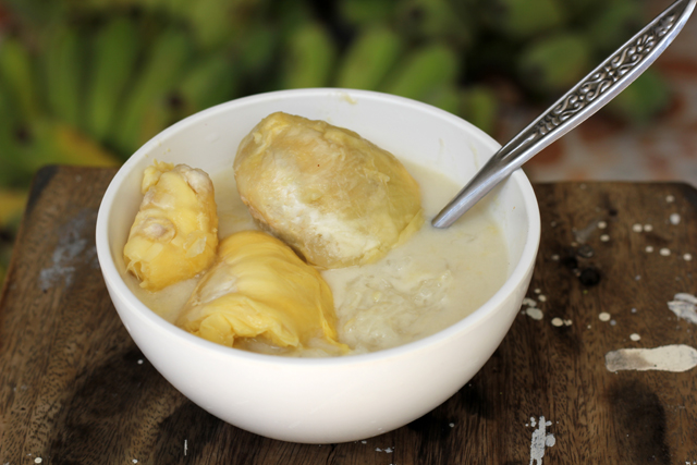 Sticky rice and durian - this is homemade!