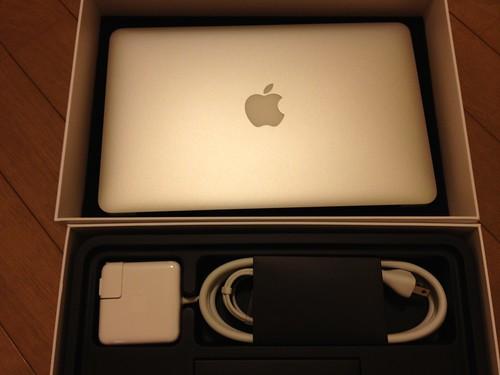 念願のMacBook Air 11インチです!