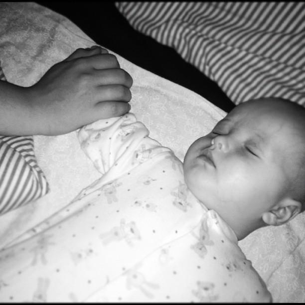 Мальчики уснули ^^
