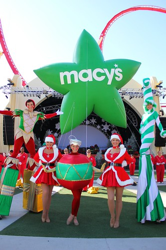 Macy's Holiday Parade demonstration at Universal Orlando 2012