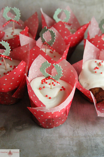Gingerbread Cupcakes with Vanilla Cream Cheese Frosting