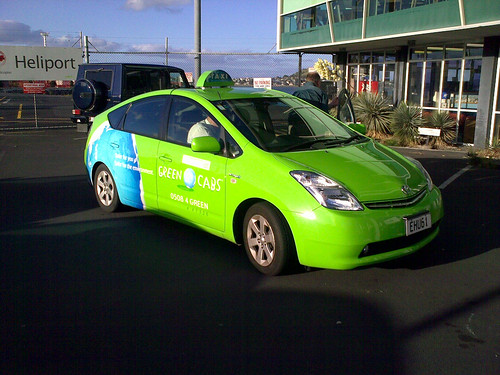 green taxi in Auckland, NZ (by: Mark Drechsler, creative commons)