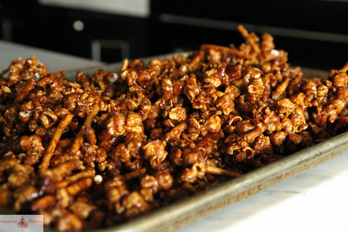Gingerbread Caramel Corn