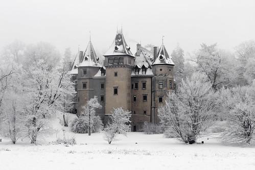 Castle in Goluchow Park