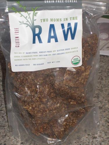 IMG_6357 2 moms n the raw granola