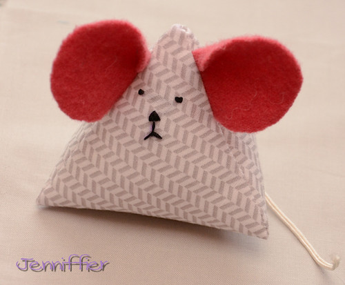Pincushion Mouse for SacMQG swap