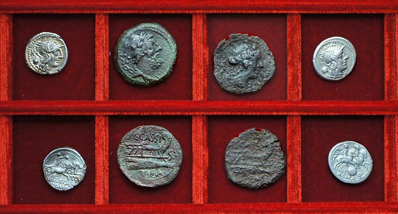 RRC 266 C.CASSI Cassia denarius, dodrans and bes, RRC 267 T.Q. Quinctia denarius, Ahala collection, coins of the Roman Republic