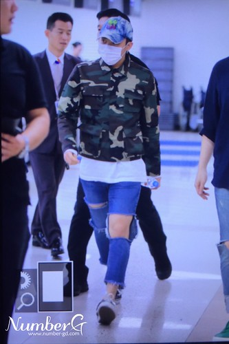 BIGBANG wout Seungri departure Seoul to Tokyo 2016-08-26 (53)