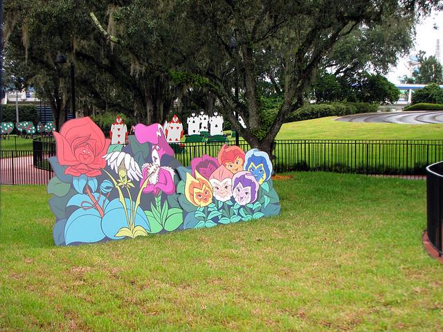 Alice In Wonderland Decorations Explore Disneylori 39 S Photo Flickr Photo Sharing
