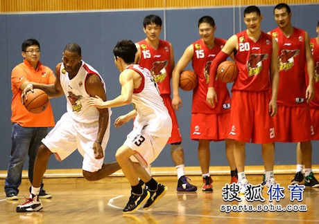 October 26th, 2012 - Tracy McGrady practices with his new team in Qingdao, China
