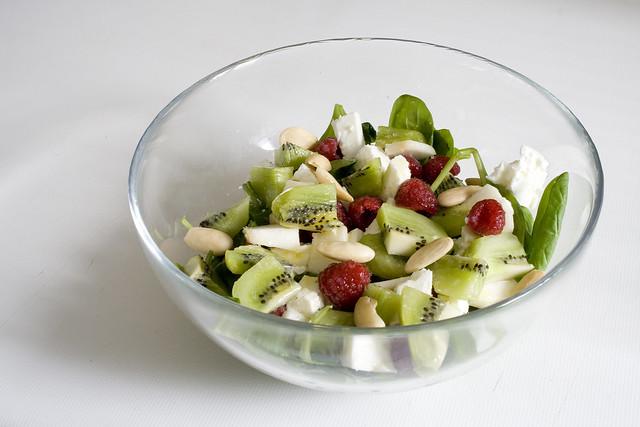 Ensalada de espinacas y frutos rojos