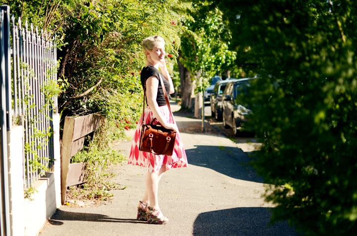 pink vintage skirt black h