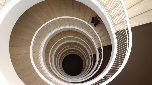 Las escaleras de la biblioteca de la Helsinki University