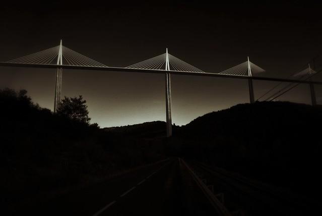 Millau Viaduct BW