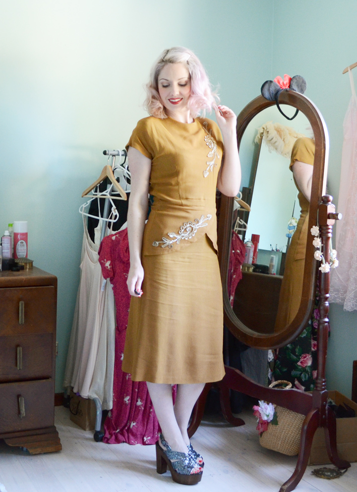 mustard 1940s dress e