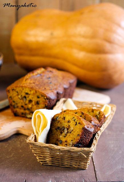 Pumpkin and chocolate chips bread