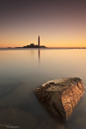 longexposure morning lighthouse seascape rock sunrise canon lowlight redsnapper whitleybay stmarysisland davebrightwell