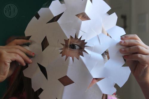 peek-a-snowflake