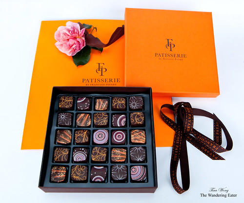 25-Piece Holiday Chocolate Collection