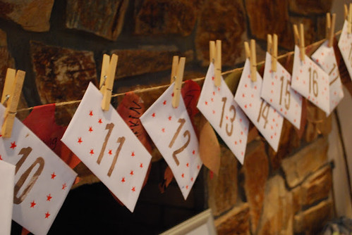 Lazy Advent Envelopes (Photo from Mama Scout)