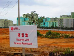 Signs in Chinese reflect China's heavy participation in the construction of the new Angola. Credit: Mario Osava/IPS