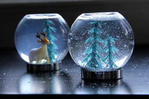 DIY-snowglobe-0.jpg