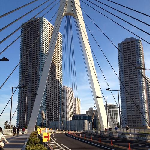 中央大橋の橋脚 by haruhiko_iyota
