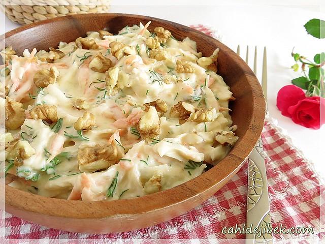 yer elmalı salata