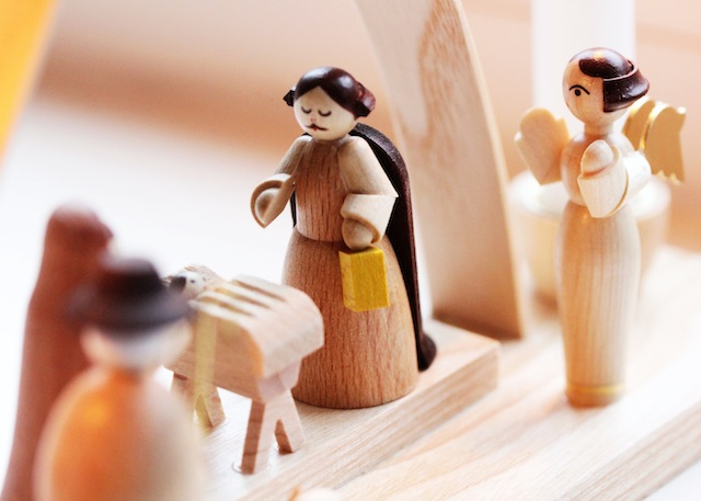 Hand carved wooden nativity scene3
