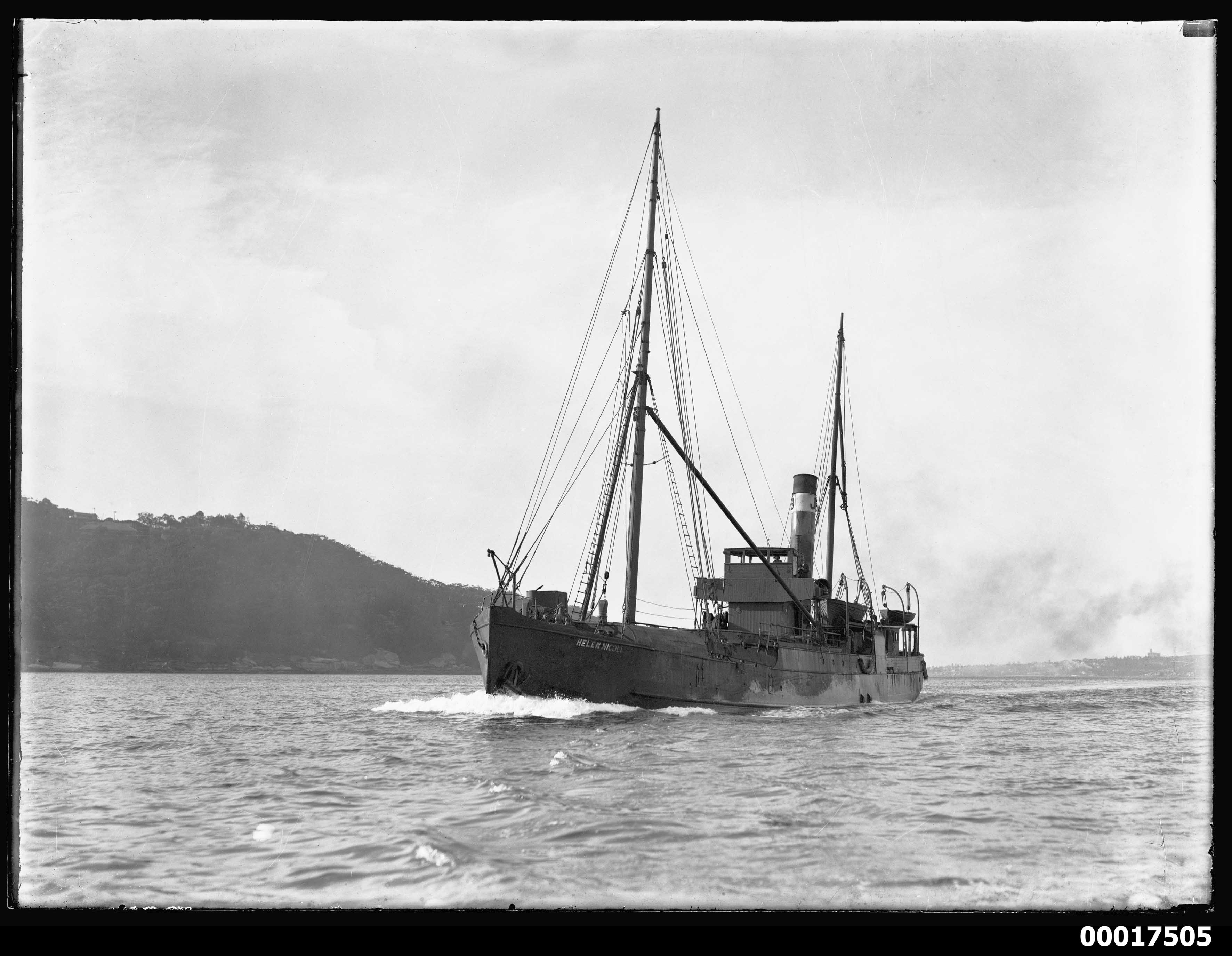 HELEN NICOLL possibly off Bradleys Head and Clifton Gardens, 1900-1932