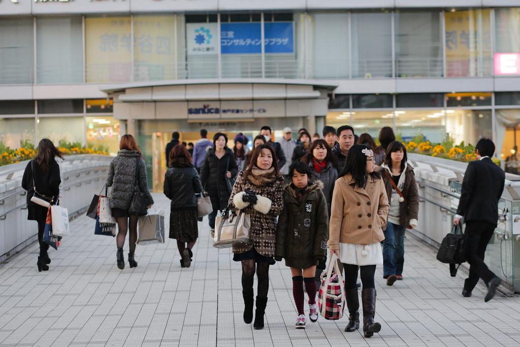 Onoedori 8 Chome, Kobe-shi, Chuo-ku, Hyogo Prefecture, Japan, 0.01 sec (1/100), f/3.2, 85 mm, EF85mm f/1.8 USM