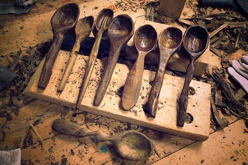 鳥籠、陳主任、兔子、我、趴小P、小官和didi的湯匙,樓下的是老師砍的。